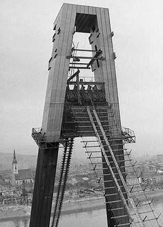 UFO Bratislava, Brooklyn Bridge, Historical Photos, Ufo, Travel, Times, Retro, Historia, Historical Pictures