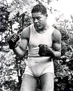 Black History Month Quotes, American Boxer, Boxing History, Joe Louis, Champions Of The World, Famous Pictures, Boxing Champions, People Icon, Leg Press
