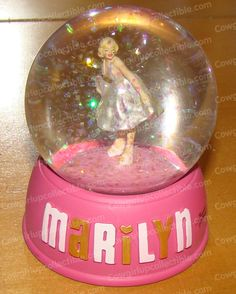 "Marilyn Monroe Snow Globe  (5.5"" tall)"