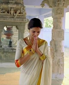 deepika padukone in kerala saree in chennai express Kerala Saree, Indian Sarees, Bollywood Saree, Bollywood Fashion, Bollywood Actress, Indian Film Actress, Beautiful Indian Actress, Indian Dresses, Indian Outfits