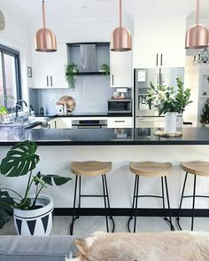 Rose Gold kitchen themes decorations really speaks for it self produces a gorgeous and timeless effect. If you like the metallic trend so much you plan to utilize it boldly, these Rose Gold kitchen gallery will inspire you Küchen Design, House Design, Interior Design, Nordic Interior, Design Ideas, Interior Livingroom, Interior Stylist, Interior Modern, Plant Design
