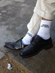 Chaussettes - Suck my dick No Love Deep Web, Fashion Week, Mens Fashion, Fashion Music, Street Fashion, Style Personnel, Komplette Outfits, Rave Outfits, Cool Socks