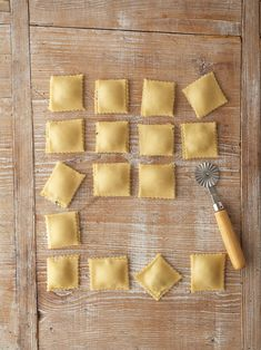 It's simple to make fresh ravioli pasta at home with just a few items from your pantry. Customize your ravioli dough recipe by stuffing them with fillings such as ricotta or beef and tossing them in your favorite sauce. Ravioli Dough Recipe, Homemade Ravioli Filling, Homemade Pasta, Ravioli Sauce, Sausage Ravioli Filling Recipe, Homemade Beef Ravioli Recipe, Ravioli Lasagna, Homemade Breads, How To Make Homemade
