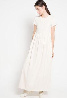 Potraiture Dress from NIKICIO in white_1
