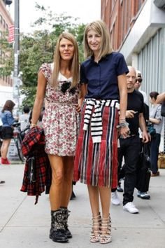 Anna Dello Russo en Sarah Rutson in Saint Laurent en Dries van Noten.