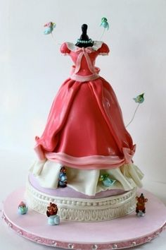 Cinderella dress - A sweet little cake I made for my daughter's Birthday . It was Vanilla cake, vanilla buttercream, Pastry cream and fresh strawberries I'll soooo do that for my next bday Pretty Cakes, Cute Cakes, Beautiful Cakes, Amazing Cakes, Dress Cake, Disney Cakes, Fancy Cakes, Love Cake, Creative Cakes