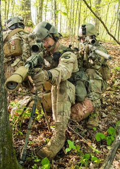 Learn the skills of a Soldier. Military Girlfriend, Navy Military, Military Spouse, Marsoc Marines, Us Marines, Army National Guard, Army Wives, Navy Sailor, Army Soldier