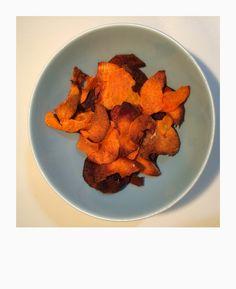 chips av søtpotet Carrots, Chips, Vegetables, Food, Potato Chip, Essen, Carrot, Vegetable Recipes, Meals
