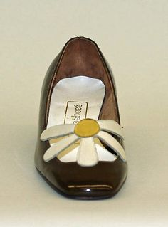 I had a pair! 60s Shoes, Retro Shoes, Sock Shoes, Vintage Shoes, Vintage Accessories, Shoe Boots, Vintage Outfits, Fashion Accessories, Vintage Cars