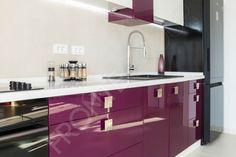 Bucătărie Grape - Mobilier La Comandă - Fabrică București Bathroom Lighting, Kitchens, Sink, Mirror, Furniture, Design, Home Decor, Bathroom Light Fittings, Sink Tops