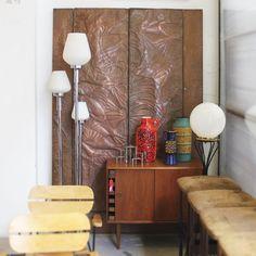 Painel vintage em cobre gravado com suporte em madeira, Brasil. Vintage etched copper wall panel with wooden frame, Brazil.  #lojateo #designbrasileiro #braziliandesign ##brazilianfurniture #modernariato #designmodernista #modernistdesign #midcenturydesign #modernismobrasileiro #brazilianmodernism #decoracao #decor #designdeinteriores #interiordesign #painel #paineldeparede #panel #wallpanel #metalpanel