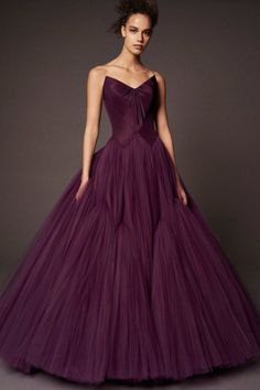 Zac Posen Pre-Fall 2018 SO INCREDIBLY STUNNING, IN THE MOST GORGEOUS SHADE OF PURPLE, JUST PERFECT FOR THE PROM!!