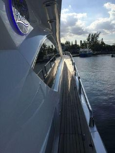 rickobeyandassociates.com - Product Homepage - Our Listings - 82 ft 2005 Sunseeker Yacht for sale by ROAA