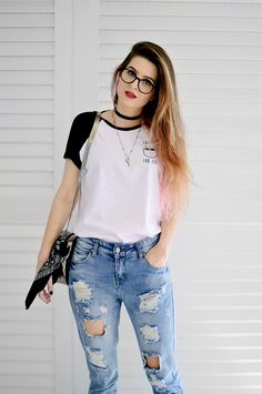 Meninices da Vida: Look: T-shirt, calça jeans destroyed e oxford