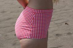 High waisted bikini bottoms. Free pattern.