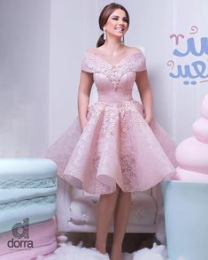 Pink Off-the-Shoulder Homecoming Dresses_Lace Appliqued Ruffles Short Prom Dress Pretty Dresses, Beautiful Dresses, African Fashion Dresses, Fashion Outfits, Debut Gowns, Dinner Gowns, Robes D'occasion, Sweet Dress, Homecoming Dresses