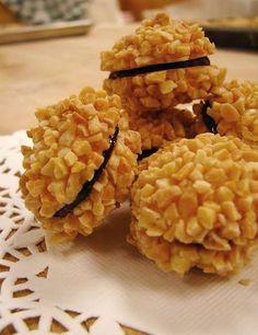 Petit four sec: Les éponges - Quick Recipes Biscuit Cookies, Cupcake Cookies, Top Recipes, Cooking Recipes, Quick Recipes, Pumpkin Delight, Granny's Recipe, Best Peanut Butter, Bite Size Desserts