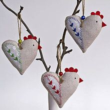 Handmade Nice gizmo Easter - Decoration – Embroidery Hens – The Effective Pictures We Offer You About childrens cra - Easter Crafts, Felt Crafts, Crafts To Make, Fabric Crafts, Sewing Crafts, Sewing Projects, Crafts For Kids, Clay Crafts, Fabric Toys