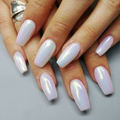 Ashton Harlan (misashton) on Aurora Mirror Pigment White Nails, Pink Nails, Gel Nails, White Chrome Nails, Color Nails, White Summer Nails, Chrome Nail Art, Nail Summer, Coffin Nails