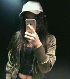 foto brasica no espelho
