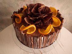Tort z czekoladowymi rurkami/ Chocolate curls cake