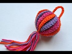 How to Crochet * Tawashi Easter Egg - works great as an Christmas in red and green with a repeat of 14