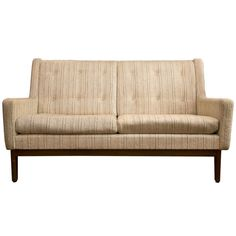 1stdibs   1960's Sofa in Style of Florence Knoll