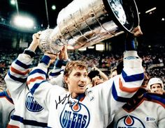 Oilers News! NHL History: Edmonton Oilers win their first Stanley Cup Minnesota North Stars, Connor Mcdavid, Interview Style, Stanley Cup Finals, Wayne Gretzky, New York Islanders, Edmonton Oilers, Man Up, National Hockey League