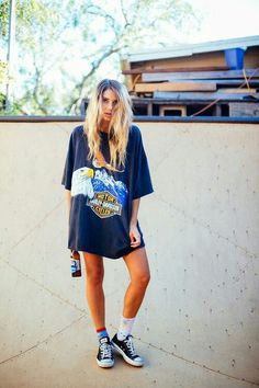Graphic prints on oversized t-shirts are great and give a boyish style but are fashionable, comfy and easy to wear all the same... nice, i like your image. More