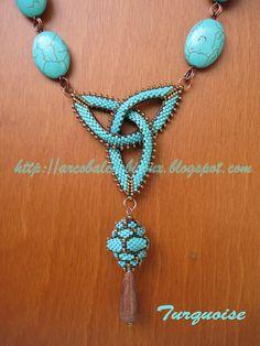 Ooh - this with larimar stones! Beaded Jewelry, Jewelery, Jewelry Crafts, Seed Bead Necklace, Beaded Necklace, Handmade Beads, Handmade Jewelry, Bracelet Tutorial, Schmuck Design