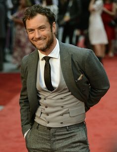 Jude Law even hotter as he gets older. :o!