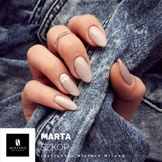 nude nails jeans look