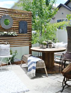 58 backyard patios on a budget, nice small patio design idea Small Patio Spaces, Small Patio Design, Small Outdoor Patios, Small Backyard Patio, Outdoor Living, Outdoor Decor, Backyard Ideas, Outdoor Furniture, Outdoor Spaces