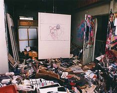 Gustav Klimt …… Já ficou curioso para saber como era o estúdio e como trabalhavam seu artistas favoritos? Aqui vai uma seleção de várias fotos (algumas com pouca qualidade) para dar aquela sensação de compartilhar um momento íntimo. Yves Klein De Kooning  Henri Matisse  Dali  Roy Lichtenstein  Roy Lichtenstein  Ron (...)