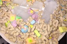 Eating cereal with ice cubes is now a thing.. Why not just use cold milk??
