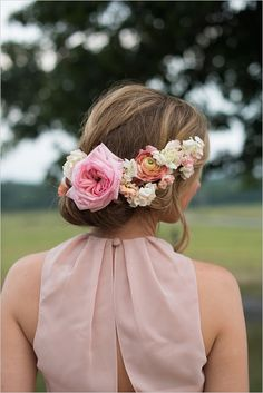 A new country chic wedding hair & makeup прически, свадебные Bridesmaid Hair Updo, Blush Bridesmaid Dresses, Wedding Pics, Chic Wedding, Wedding Things, Rustic Wedding, Wedding Ideas, Floral Headpiece, Wedding Hair And Makeup