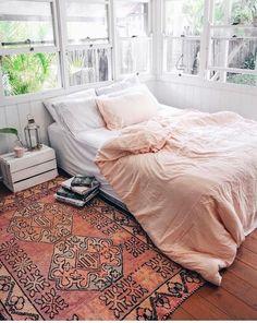 um quarto com decoração boho ♡
