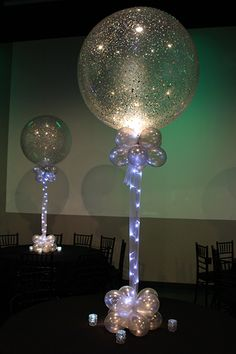 Balloon Centerpieces · Party & Event Decor Silver Sparkle Balloon Silver Sparkle Balloons with Tulle & Lights Ballons Brilliantes, Glitter Balloons, Ballons With Tulle, Clear Balloons, Fete Marie, Tulle Lights, Decoration Evenementielle, Sweet Sixteen Parties, Event Decor