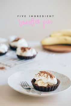 5 ingredient {easy peasy!} banoffee pie recipe - Fat Mum Slim