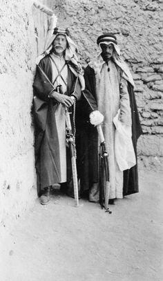 T E LAWRENCE ARAB REVOLT 1916 - 1918 (Q 59823)   Colonel Hamilton and Fahad at Riyadh.