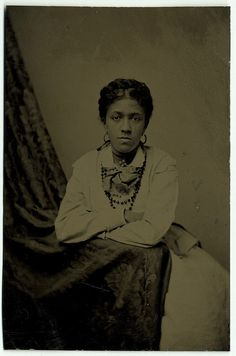 tintype c. 1870 of an Unidentified African American Woman African American Hairstyles, African American History, Native American, Vintage Photographs, Vintage Photos, American Photo, Vintage Black Glamour, Black Image, African Diaspora