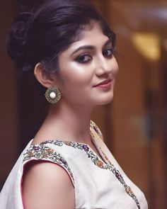 Beautiful Girl Indian, Beautiful Indian Actress, Insta Image, Beautiful Bollywood Actress, Dark Skin Beauty, Indian Beauty Saree, I Love Girls, Cute Faces, India Beauty