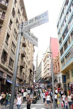 Comércio popular / Rua 25 de março em São Paulo