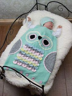 Owl Sleeping Bag ~ size mos, mos and mos ~ easy level ~ written instructions only ~ what a cute way to keep baby warm and cozy ~ use crocodile stitch ~ CROCHET Crochet Owls, Crochet Buttons, Crochet Bebe, Boy Crochet, Cute Baby Owl, Baby Owls, Cute Babies, Double Knitting, Baby Knitting