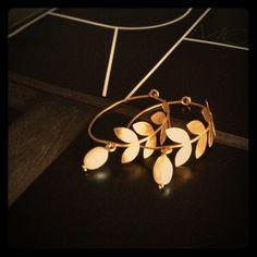 🎉HP🎉 Hoop earrings Gorgeous hoop earrings with leaf & pearl detail. Never worn. Jewelry Earrings
