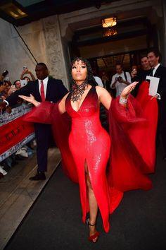 Nicki Minaj at Met Gala 2018 celebrity style casual Nicki Minaj Rap, Nicki Minaj Outfits, Nicki Minaj Barbie, Nicki Minaj Fashion, Nicki Minaji, Rihanna Outfits, Nicki Minaj Wallpaper, Nicki Minaj Pictures, Trinidad Y Tobago