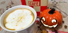 Café latte au potiron / Café com leite e jerimum – Chaud Patate Pumpkin Spice Latte, Café Latte, Pudding, Desserts, Food, Maple Syrup, Roasters Coffee, Cocoa Nibs, Latte
