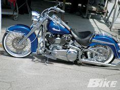 harley davidson softail all black Harley Davidson Custom, Motos Harley Davidson, Harley Softail, Custom Harleys, Custom Bikes, Chicano, Rockabilly Moda, Heritage Softail, Harley Bikes
