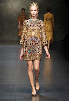Dolce and Gabbana Winter 2014 Collection is inspired by Early Christian and Byzantine mosaics.  SO BRILLIANT.