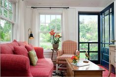 These luxury cottages are guaranteed to provide you with a quiet getaway perfect for brewing up your next mystery novel or simply enjoying quiet time with family. Set near a small town of just under 11,000, this place is the perfect respite from...